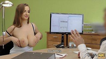 المحامي جميل ما يمارس الجنس في المكتب