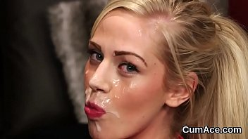 cover video Foxy Peach Gets Cumshot On Her Face Eating All The Cream