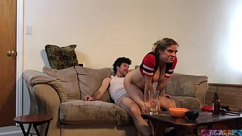 Porno do brasil metendo e assistindo o jogo