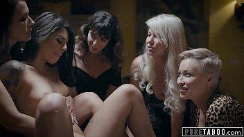 Orgie Cu Lesbiene Care Se Masturbeaza Pentru Bani