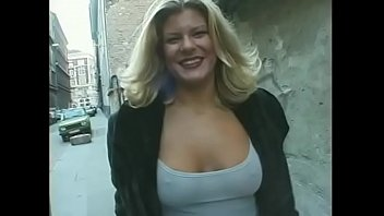 Curvy cutie Tiffany Blake is fucking her plump pussy 100%