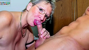 XXX OMAS - Granny gets messy cumshot in mouth