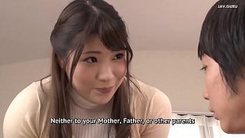 Guru Jepang memukul muridnya di rumah