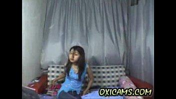 Teen dancing nude on webcam new 1...