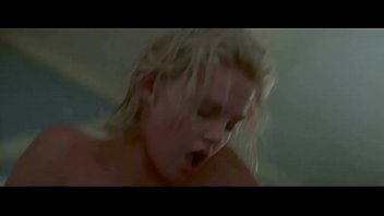 Charlize Theron in 2 Days in the Valley (1996)