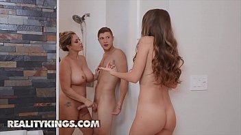 Video sex 2020 Hot Ladies lpar Kimmy Granger comma Eva Notty rpar Fucks One Big Dick Reality Kings HD online