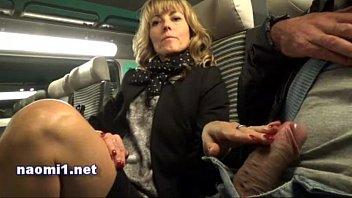 O Femeie Matura Se Masturbeaza In Tren Langa Sotul Ei