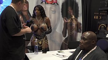 SUPER SEXY &amp_ STACKED MYSTIQUE GETS SHOWN SO MUCH LOVE AVN 2020! A TRUE LEGEND IN THE MAKING!