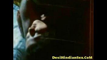 cover video Desi Actress Erotic Scene Seducing Lover