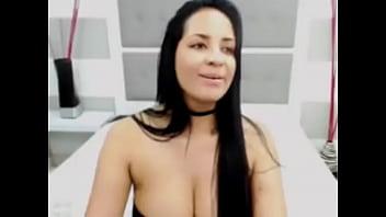 Linda colombiana tetona