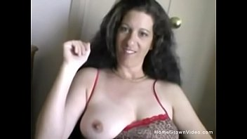 Dark haired milf homemade blowjob
