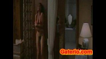 Monica bellucci desnuda y sexy en una escena hot