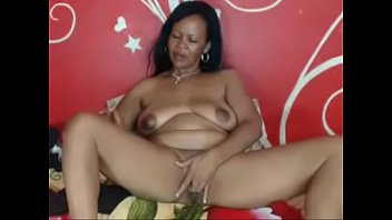 Hot black mom with big tit masturbating on cambitches.org