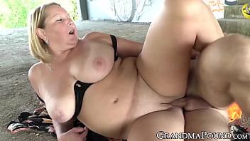 Sex Cu O Grasa Fututa Pe Strada