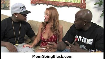 xxarxx Mom going black 12