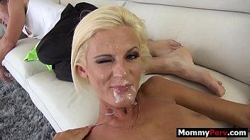 Un Barbat Cu Pofta De Sex Cu O Blonda Foarte Draguta - Filme Porno