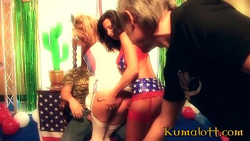 American Independence Day : Flags, Cam and HOOKERS !