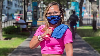 peruana profesora de gimnasio pillada haciendo ejercicios hot tendencia en peru