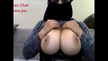 Hot Big Boobs Lady live chatting on webcam