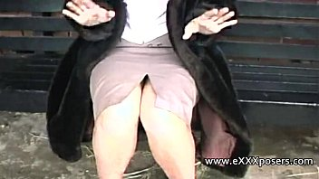 English milf pe rsuaded to flash outdoors h outdoors