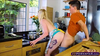 XVIDEOS Kitchen magic! Cooking and cocking at the same time! free