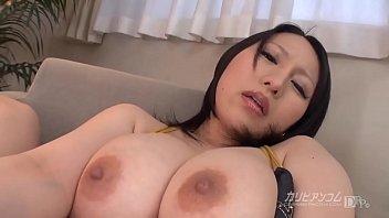 XVIDEO 巨乳お姉さんのローターオナニー