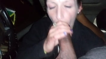 Watch this filthy hooker please a guy for cash
