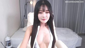Busty Korean girl shows on cam - http://sexcambeauties.com thumbnail