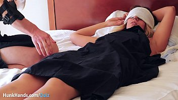 """UNPAID girl flew NY→Vegas for THIS?? Squirting yoni massage.. it's real, unedited & wet! Jokes her New York boyfriend is """"boring"""" haha.. 100% first-time amateur fingered rough! → HunkHands.com/Quiz [ Subscribe!]  #1135060"""