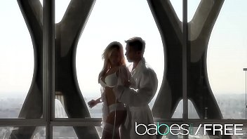 (Tasha Reign) White Sheets And Sensual Fucking - Babes