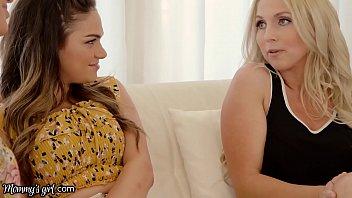 Tanara Athena Face Sex Cu Doua Milfe Excitate