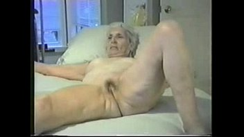 Enjoy this granny fully nude amateur...