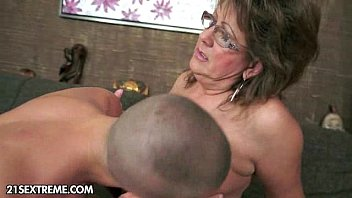 Beautiful mature fucking with her son Futacios