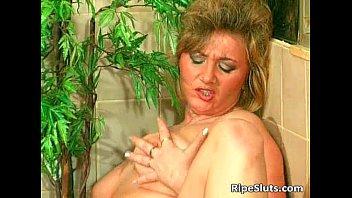 Hot mature slut gets wet cock hungry