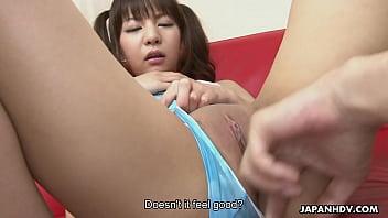 โชว์เสียวของเด็กมัธยมนมน้อยแต่อยากโดนเย็ด นั่งแหกหีให้น้ำหีเยิ้มเด็ดสุดๆ