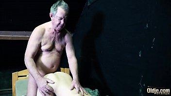 Porno Cu Un Bosorog Cand Fute Tare O Domnisoara Simpatica