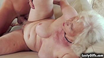 Babeta Blonda Fututa In Pizda Ei Flocoasa