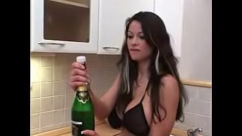 12 07 zemanova champagne...