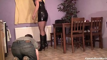 Boot Lesson of Madame Elysia