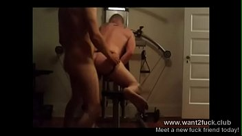 FUCKING IN HIS GYM HOMEMADE ANAL porn, bareback