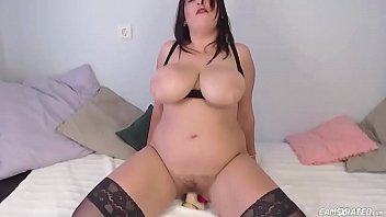 Huge Natural Boobs Babe Riding Dildo
