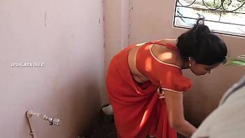 Village aunty saree dropped romantic video...