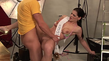 Gorgeous Ever E ager Milf Gets Pissed In Her M Pissed In Her Mouth To Excite The Photographer's Cock