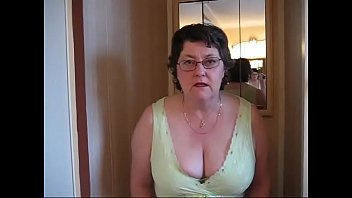 Mistress Sue Pees In Toilet...