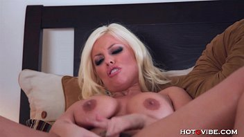 Busty Britney Amber&rsquo_s Screaming Orgasm
