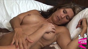 Girls who eat pussy 0200