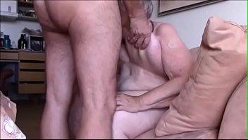 Mamaie De 78 De Ani Face Un Film Porno Platit Cu Bani Grei Alaturi De Tataie