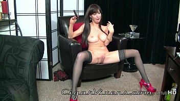 Behind The Scenes with Angelina Leigh at Cigar Vixens