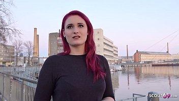 GERMAN SCOUT Rothaarige Studentin Melina bei Strassen Casting fuer Geld gefickt