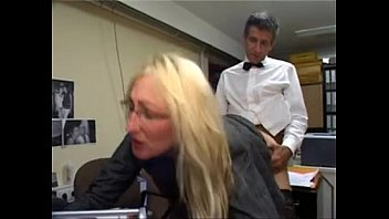 Kathleen White wird brutal abgefickt
